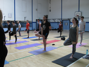 MU-yoga-ardha-25%
